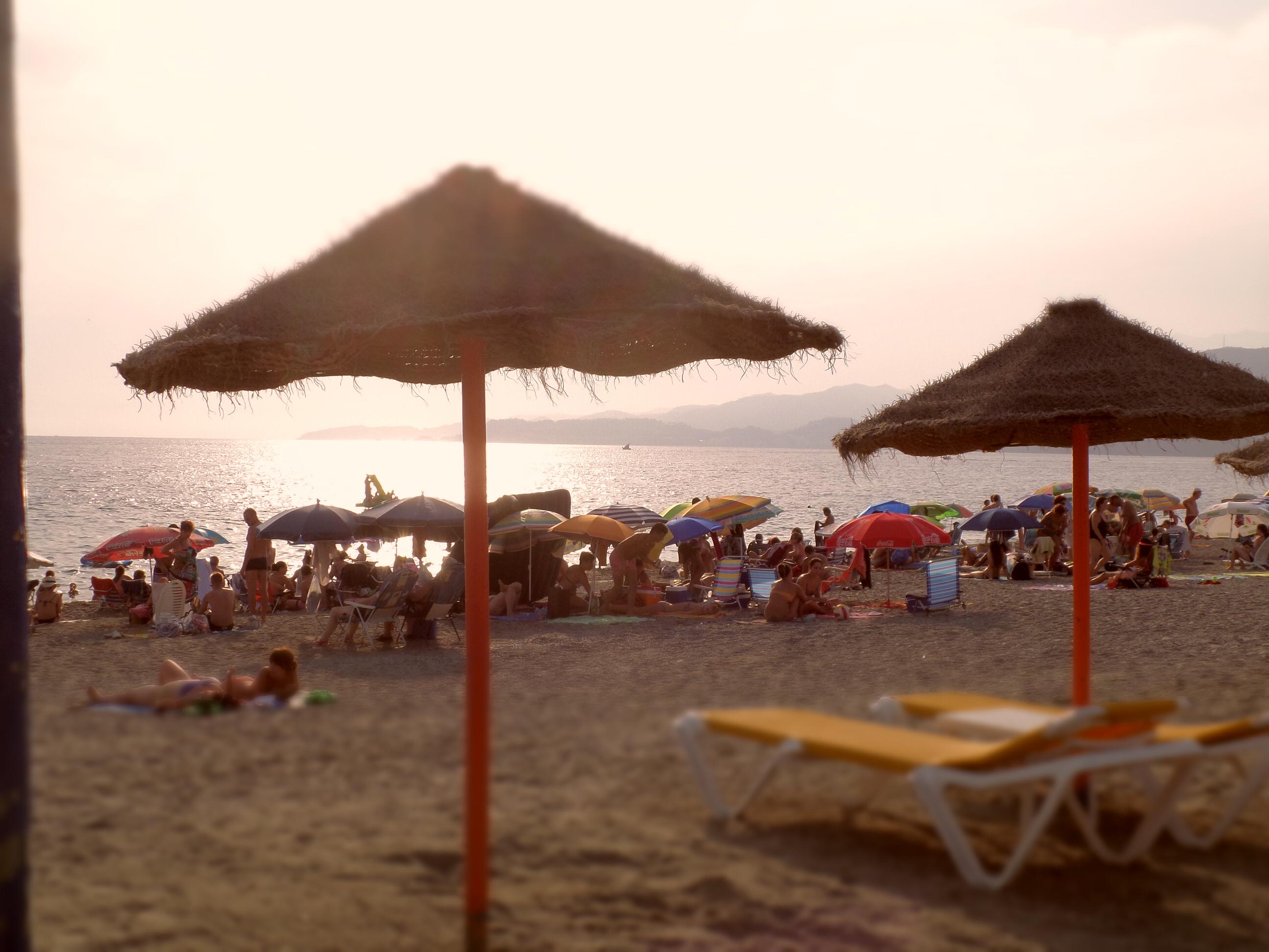 Playa abarrotada Salobreña (Granada)